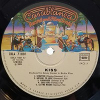 Kiss : Kiss